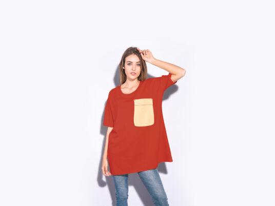 Download Women S Oversized T Shirt Mockup Mockup World