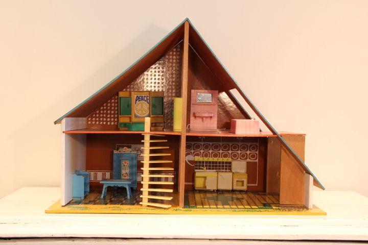 Okwa poppenhuis te koop bij vintage for Poppenhuis te koop