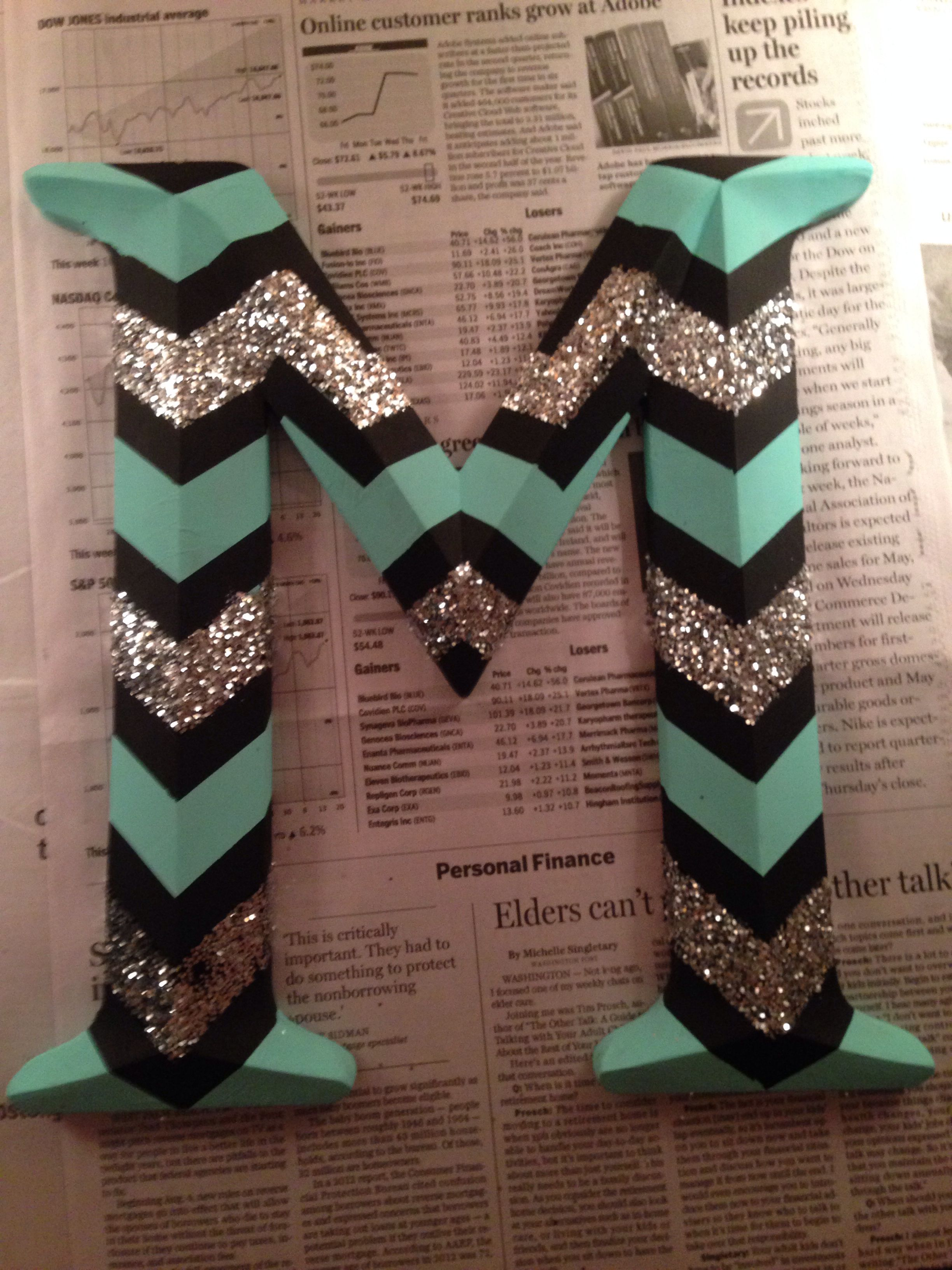 chevron patterned letter with glitter i painted for my new room
