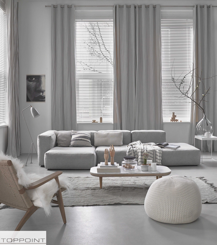 Wohnzimmer Im Skandi Style Der Grosse Hhenunterschied Macht Den Raum Opulenter