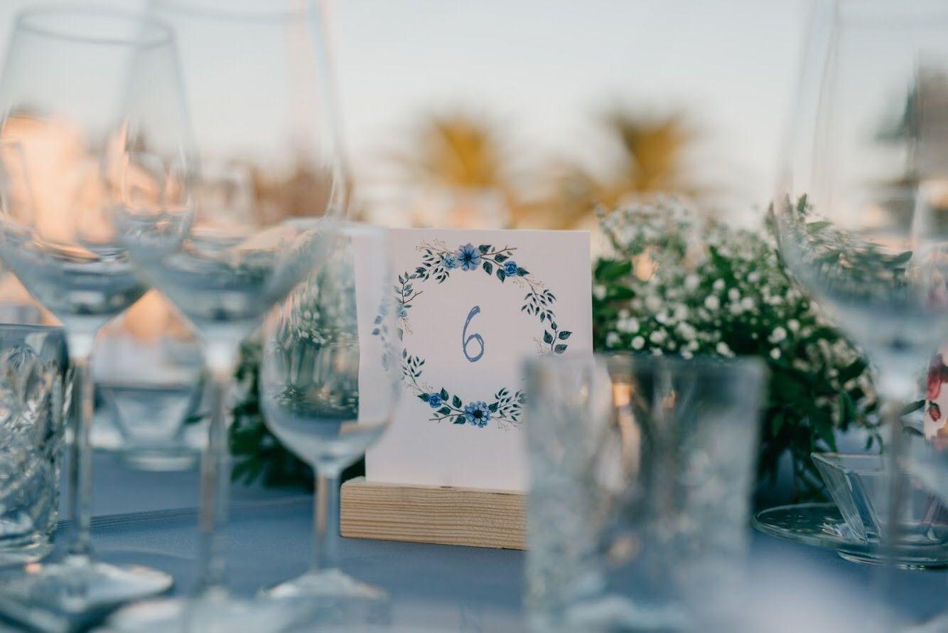 En LOVE contamos historias de amor. Y además, creamos la decoración para el gran día. Y además, podemos diseñaros toda la cartelería y papelería para el evento. Y mucho más.  +info: hola@lovebodasyeventos.com  LOVE  #love #meseros #invitacionesdeboda #boda #bodasenlaplaya #Cádiz #Jerez #Sevilla #decor #handmade #music #musica #blue #party #wedding #weddingplanner #blogger #weddingday #weddingphotography #destinationwedding #travel #summer #summertime #summervibes #sunset