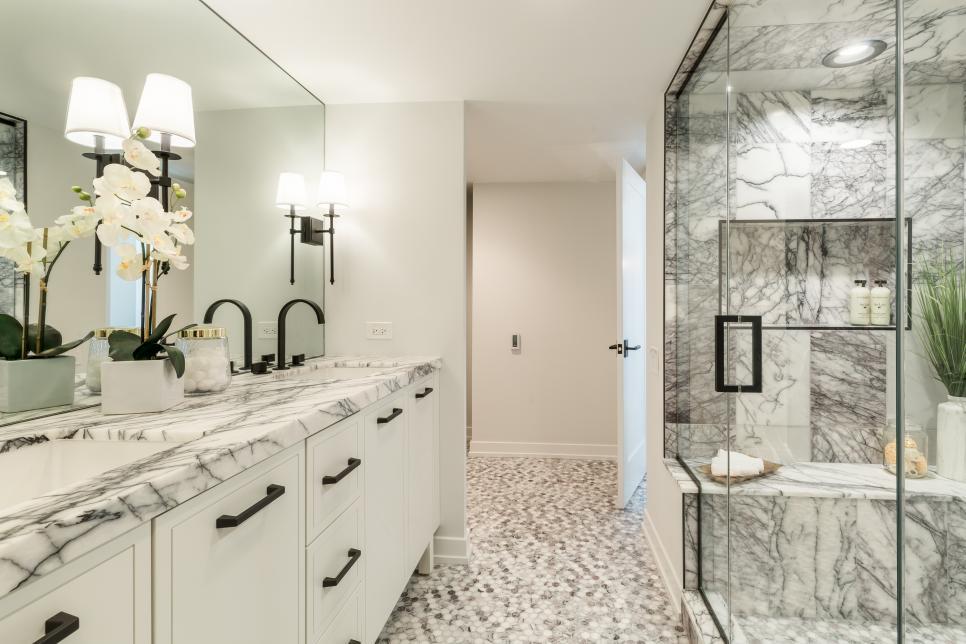 Incredible Windy City Rehab Designs Windy City Rehab Hgtv Master Bathroom Design Condo Bathroom Cornice Design