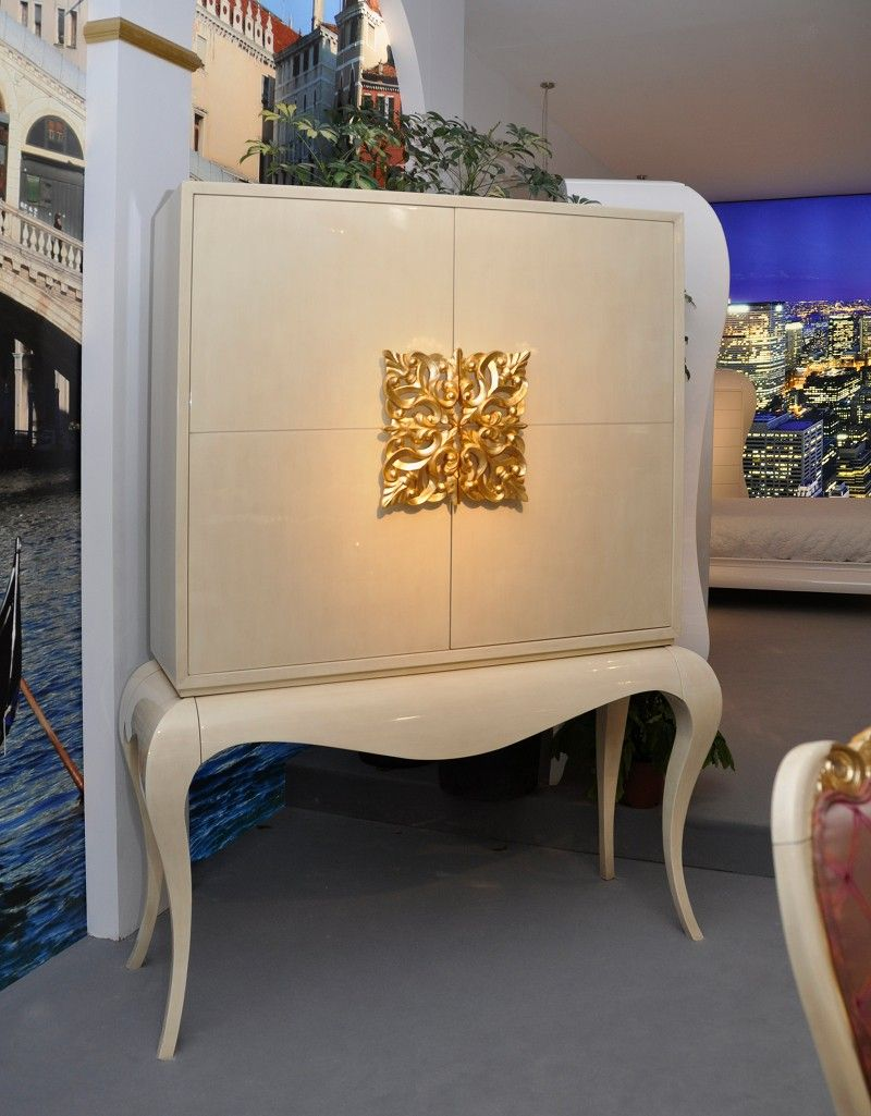 Mirrored Cocktail Cabinet | Cocktail Cabinet With Gold Leaf Detail, Luxury  Drinks Bar, Designer