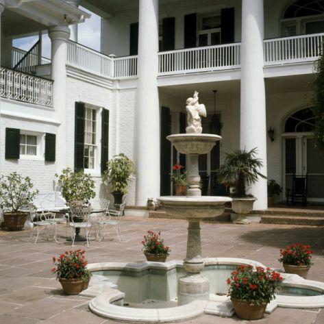 """Plantation Home Patio, Louisiana, USA""=>"