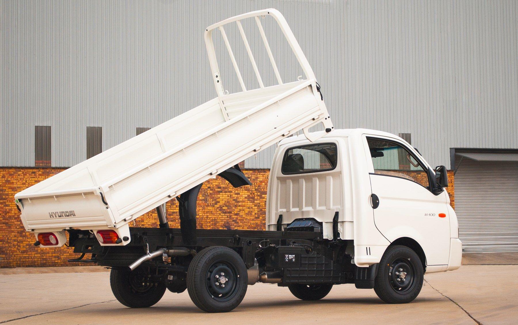 049e2ccc7a Versatile Hyundai H100 Tipper makes light work of a heavy load ...