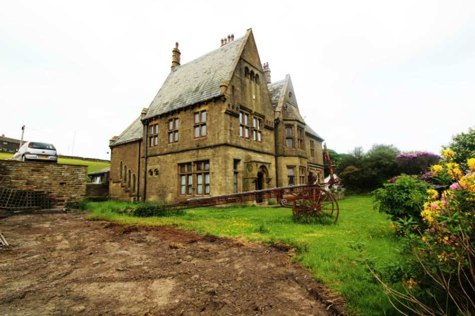 19th Century Rishworth Lodge Ripponden England 390 117 Old House Dreams England Houses Old House Dreams Old Houses