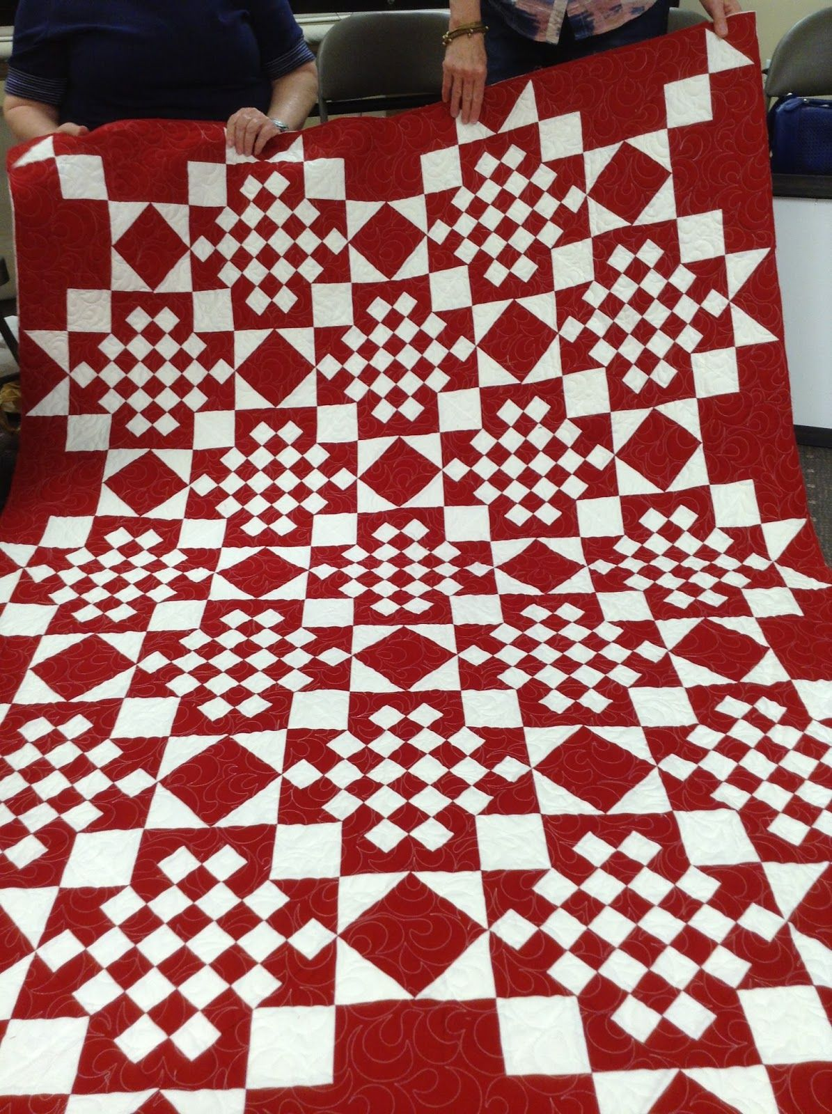Timeless Traditions: More stitching time...... | two color quilts ...