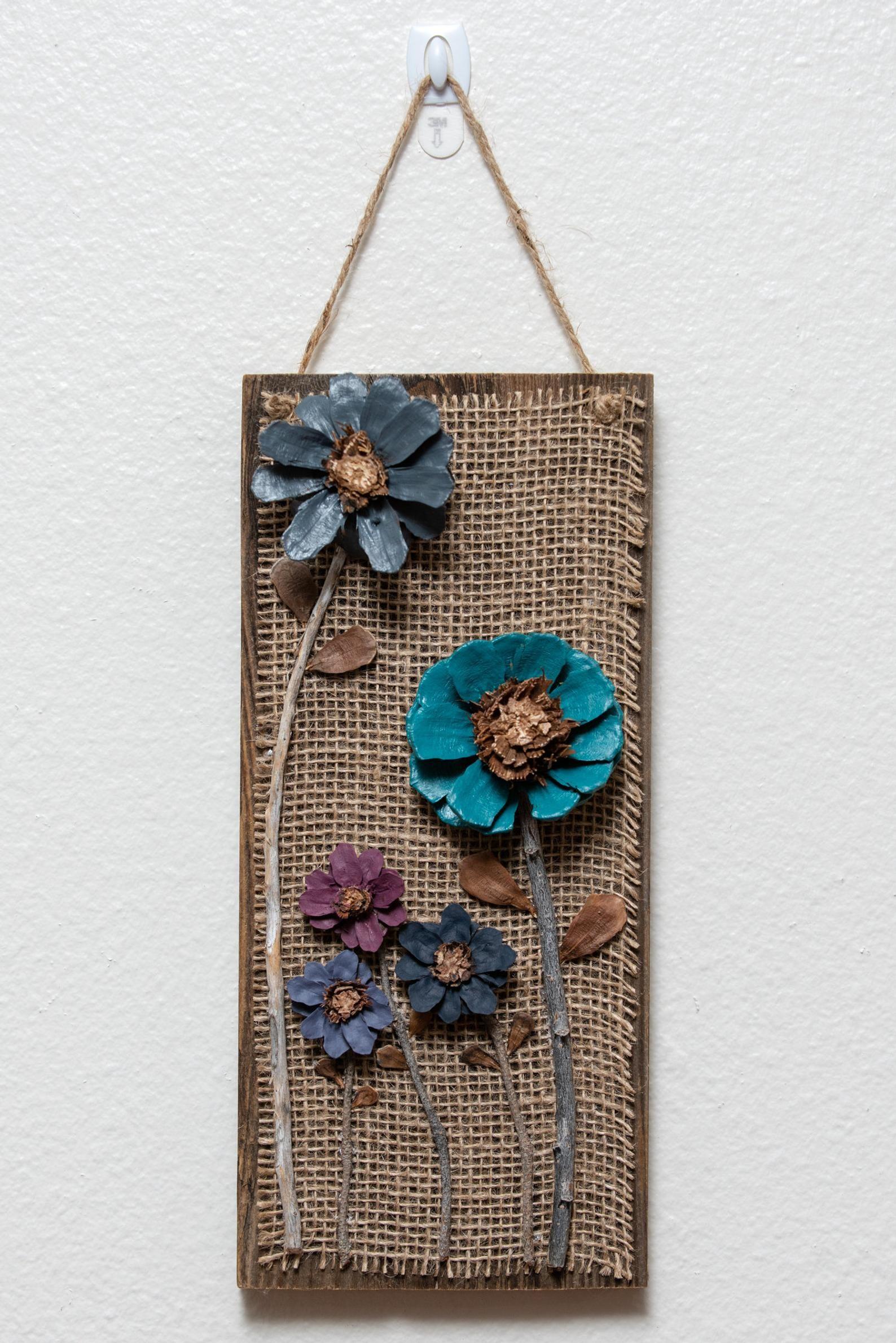 19 Ideas De Cuadros De Bellotas De Flores De Piña Piña Decoracion Manualidades Con Piñas Piñoneras