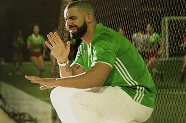 08be5928a1e Drake Is Dancing In A Mexican Soccer Jersey And People Are Loving It ...