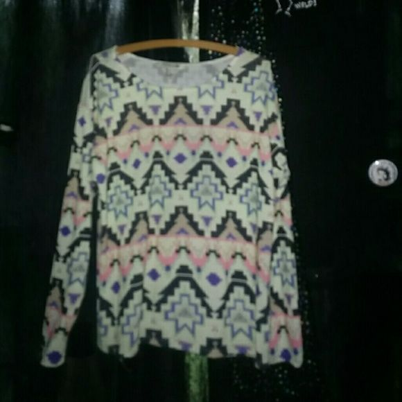 Pastel goth sweater Aztec print sweater worn once from forever21, there are crosses on it and they're pastel colors. Very cool, supposed to fit oversized a bit. Knit, beach vibbess Forever 21 Tops