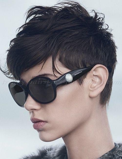 Neue Haarschnitte und viele Winterfarben für Frauen ab 40 Jahren oder diese Schwelle erreichend! - Neueste frisuren | bob frisuren | frisuren 2018 - neueste frisuren 2018 - haar modelle 2018 #shortpixiehaircuts