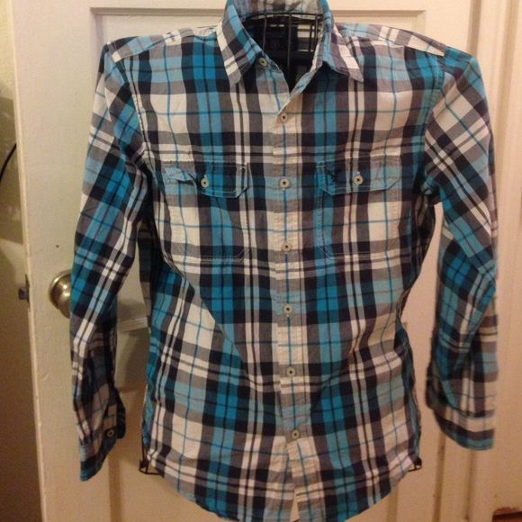 Turquoise Plead Men's long sleeve shirt Well taken care long sleeve shirt. American Eagle Outfitters Shirts