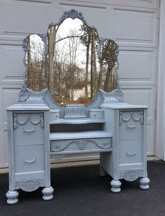 Hand Painted Vintage Vanity French Provincial Vanity Dressing Table Distressed Vanity Shabby Chic Dresser Vanity Table Vintage Shabby Chic Bathroom