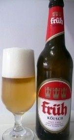Cerveja Früh Kölsch, estilo Kölsch, produzida por Brauerei Früh Am Dom, Alemanha. 4.8% ABV de álcool.