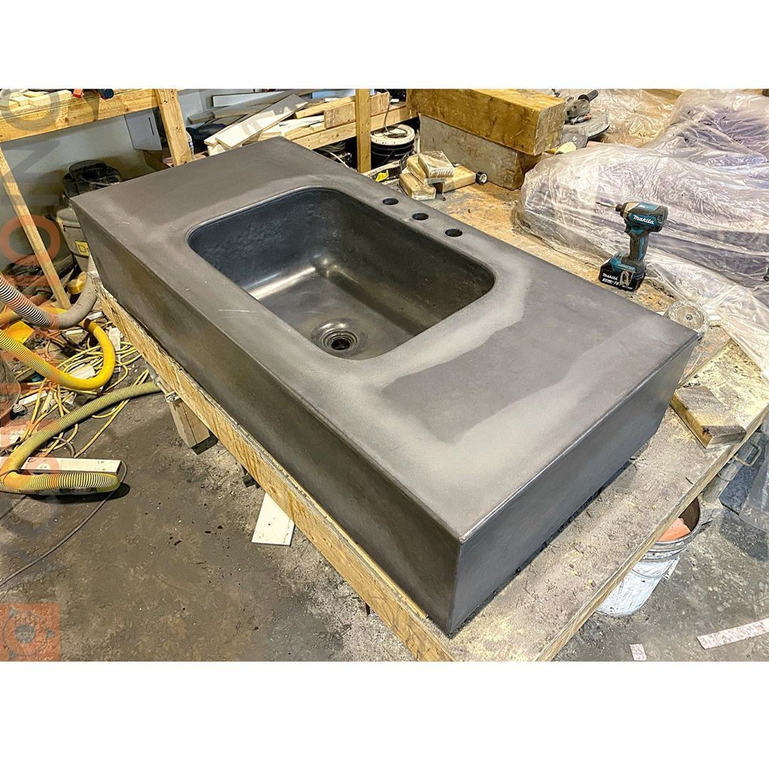 Vincent Cathcart On Instagram Black Concrete Fresh Out Of The Mold Amazingly The Finish On The Front Edge And Sink With A 4 In 2020 Sink Concrete Bathroom Concrete