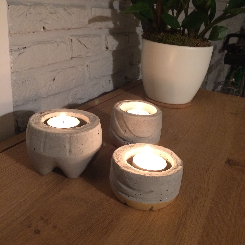 Een kaarsenhouder eenvoudig te maken met cement en plastic flessen creatief pinterest - Pinterest beton ...