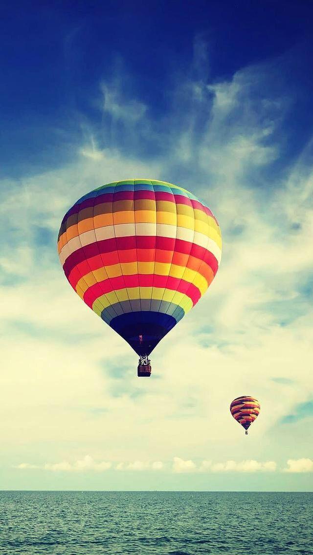 Wallpaper background hot air balloon