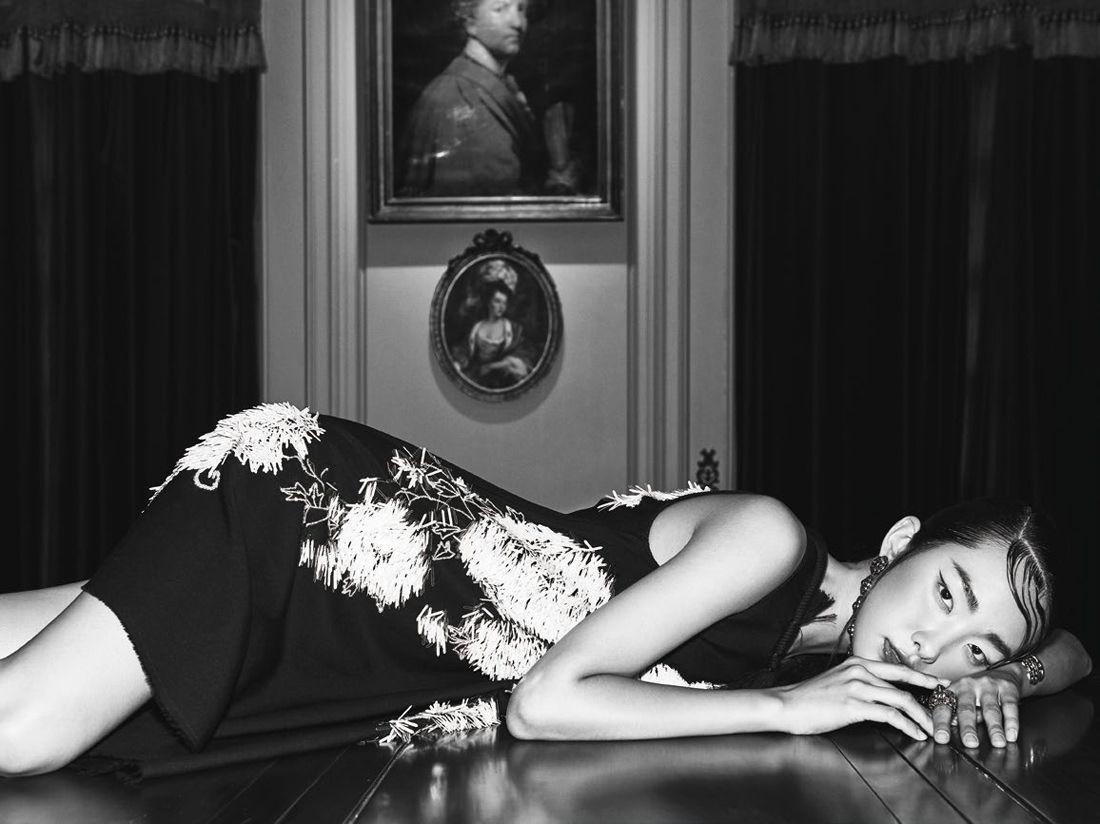 Oriental Seduction : Kwak Ji Young by Kim Yeongjun by Harper's Bazaar Korea September 2015