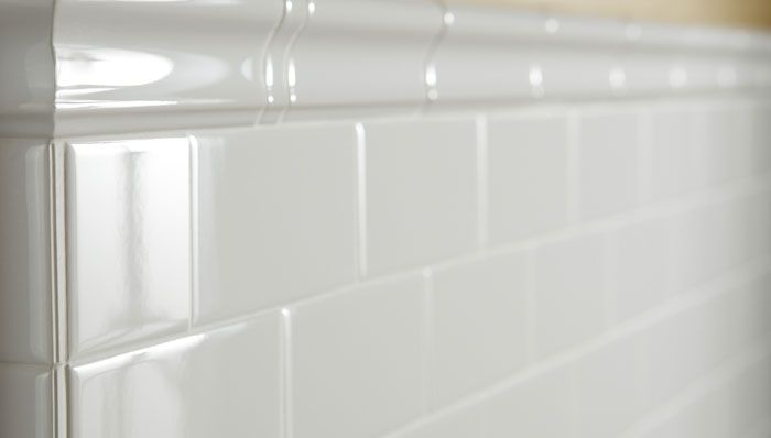 Make Your Ceramic Tile Sparkle Here S How Cleaning Ceramic Tiles Tile Around Tub White Wall Tiles