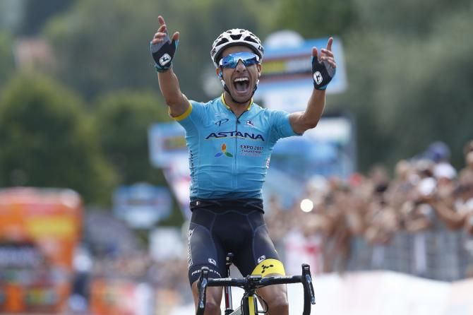 The Many Faces Of Fabio Aru Winning The Italian National Championship Road Race Road Racing Racing Giro D Italia