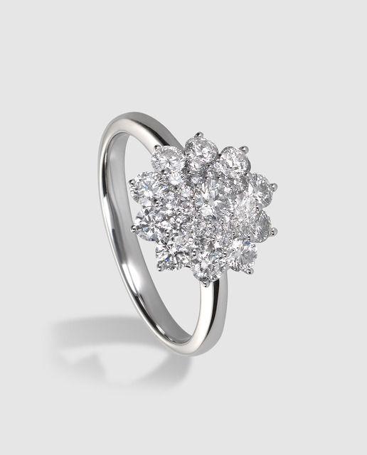 92d81192657b Anillo en oro blanco y diamantes El Corte Inglés