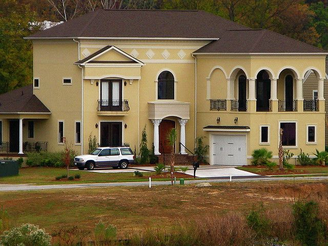 Yellow stucco house by mwbutterfly via flickr color - Exterior paint color ideas for stucco house ...