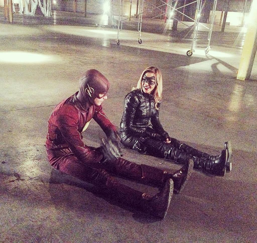 """Katie Cassidy on Twitter: """"Super friends doing super things. (Even though we're literally just sitting on the floor) Lets never grow up  @gran… http://t.co/pGwasealmd"""""""