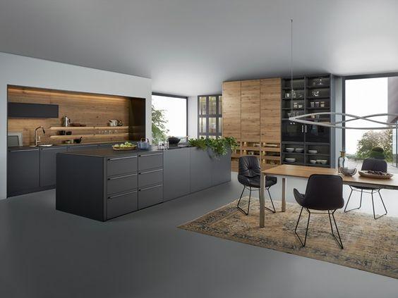 Küche aus massivem Holz mit Kücheninsel BONDI VALAIS by