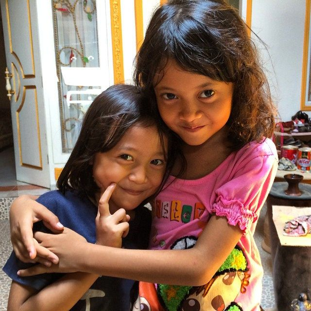 So cute! #upsticksandgo #travelgram #socute #localkids #makingfriends #travelgram #travelphotos #lombok #indonesia | Flickr - Photo Sharing!