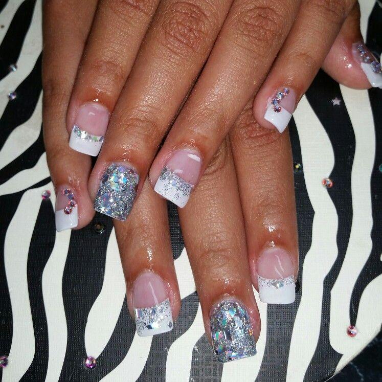 #acrilicnails #nails #organic #organicnails #acrilic #swarovsky #silver #crystals #white