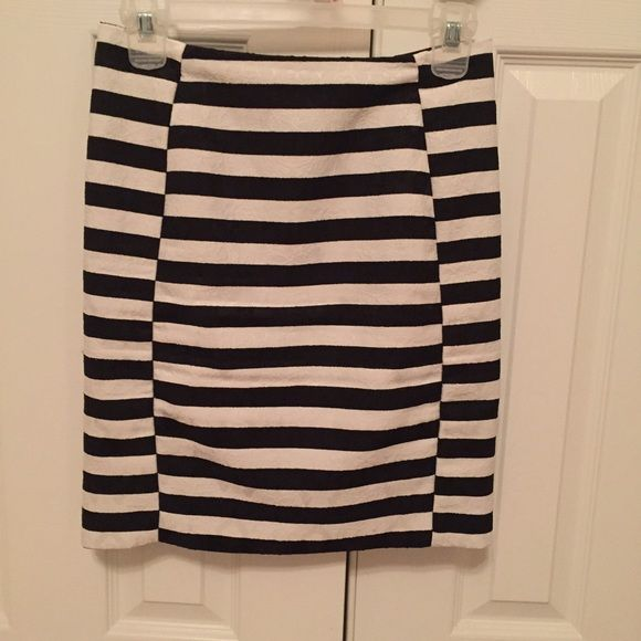 Black and white pencil skirt Pencil skirt for work Skirts Pencil