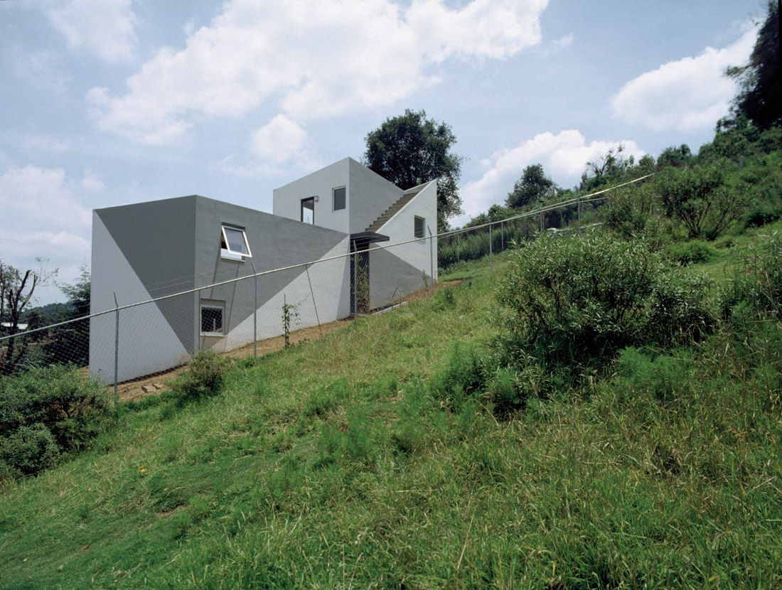 1000+ images about House on Slope on Pinterest - ^