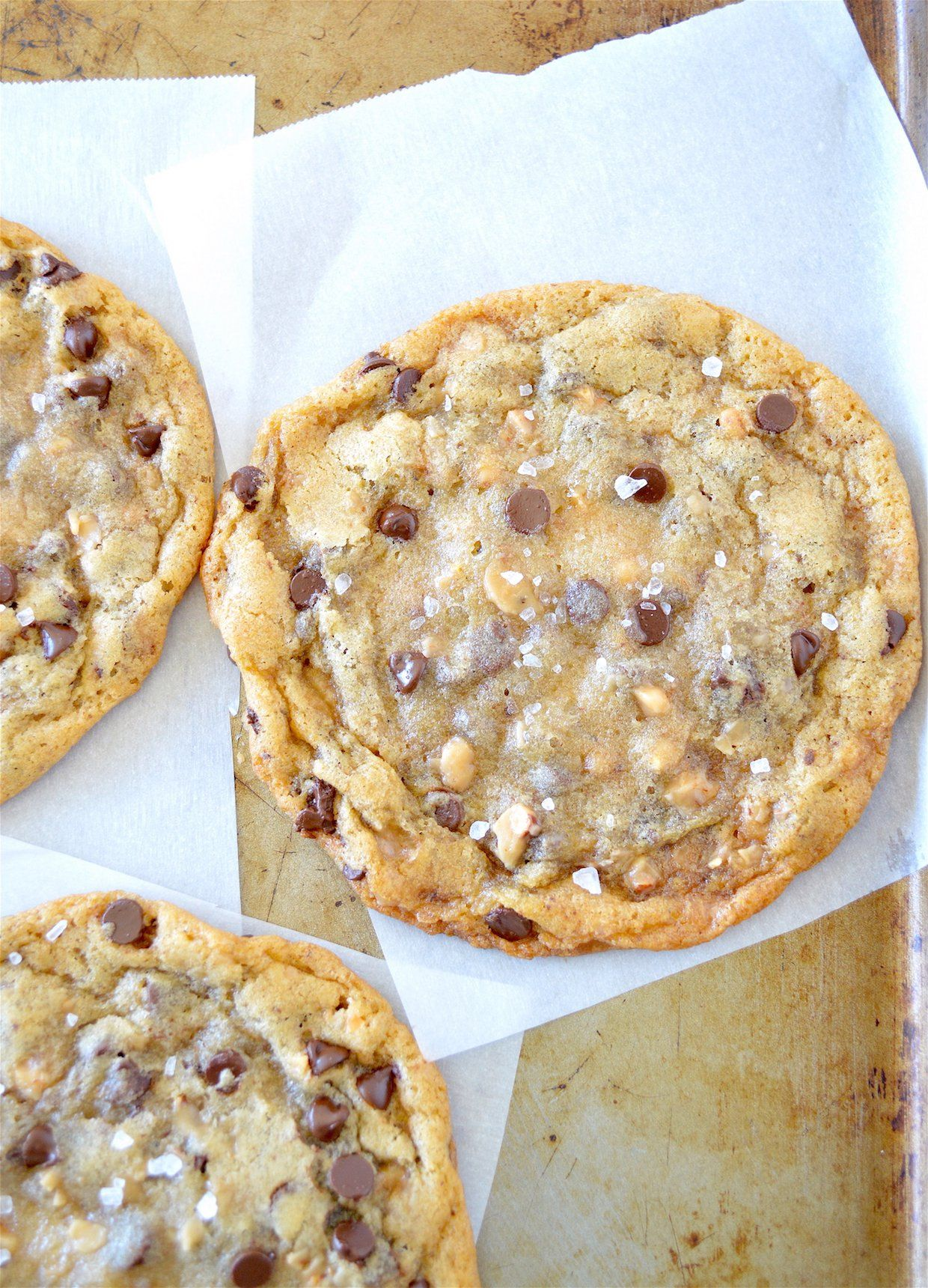"<p>If you like your cookies nice and chewy with a complementary twist, you'll love these chewy chocolate-studded gems!  <em>Get the recipe <a href=""http://www.goodmorningcali.com/chewy-salted-toffee-chocolate-chip-cookies/"" target=""_blank"">HERE</a>!</em></p>"