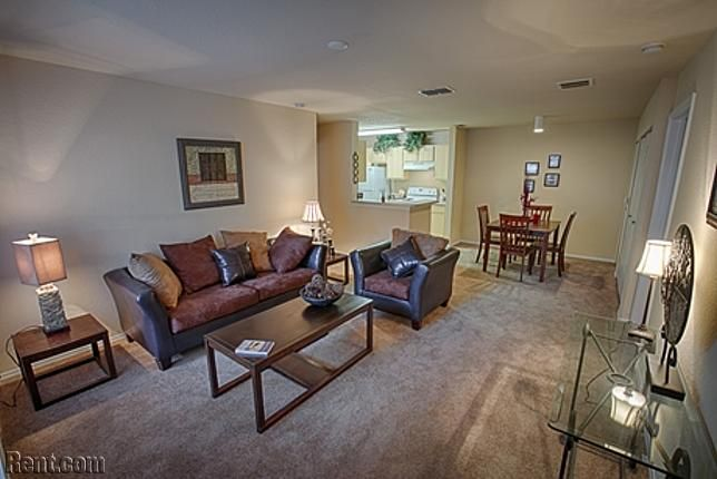 Enclave At Pine Oaks 512 Harrison Place Drive Deland Fl 32724 Rent Com Apartment Home Apartments For Rent