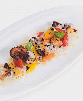 Gebratener Oktopus mit Tomatenpolenta – Hans Haas