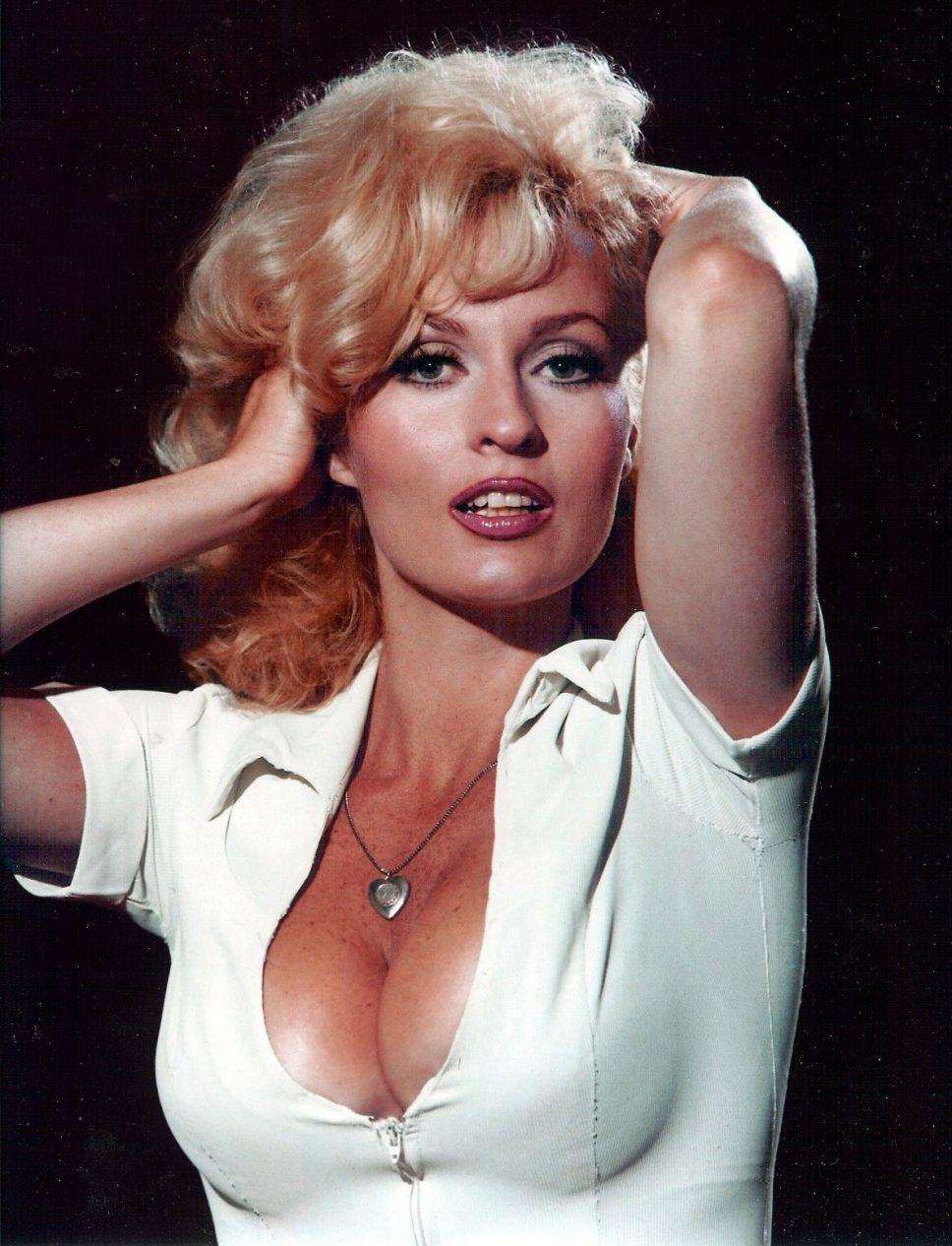 Cara Pifko,Alison Sweeney Erotic clip Mariel Rodriguez (b. 1984),Cary Elwes (born 1962)