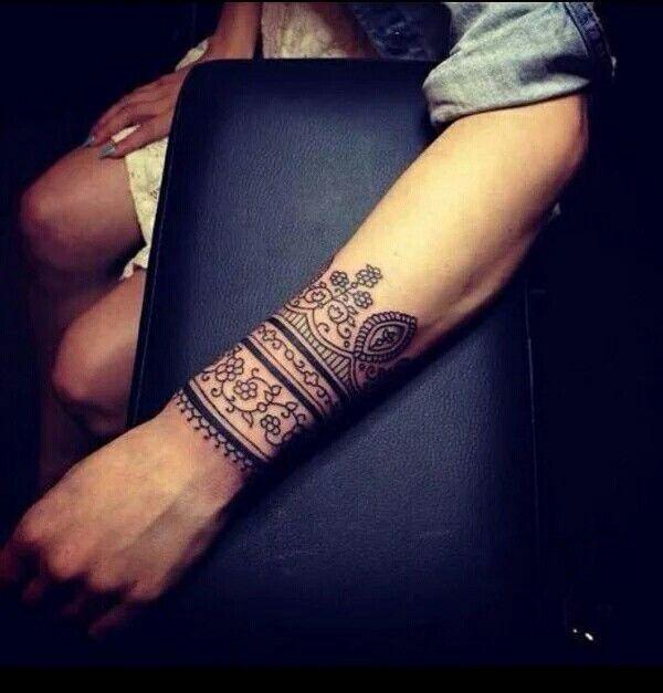 mandala Tatouage Sur Le Bras, Idées De Tatouages, Henné Poignet, Tatouages  poignet Pour Les Tatouage cheville droite femme