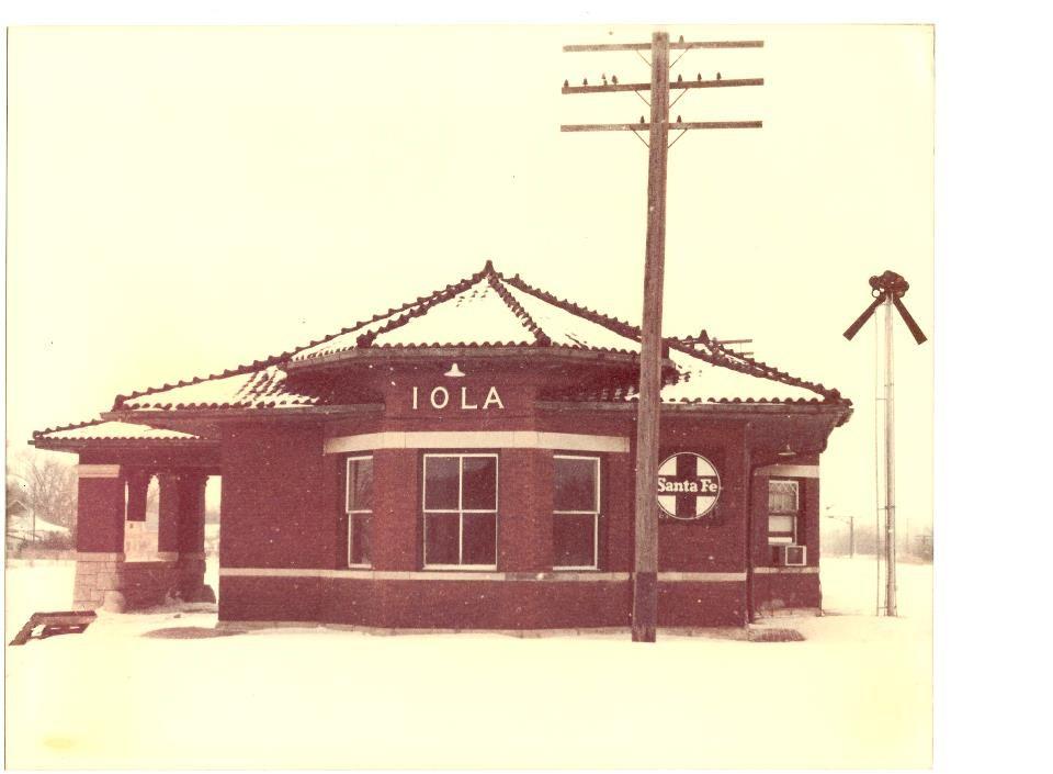 Iola, KS  Train Depot, before it was tore down | Buildings