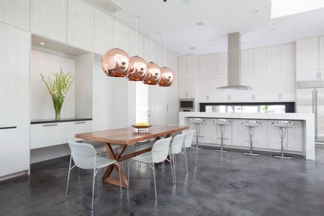 Deckenleuchte Esstisch esszimmer pendelleuchten kupfer weiße wohnküche holz esstisch