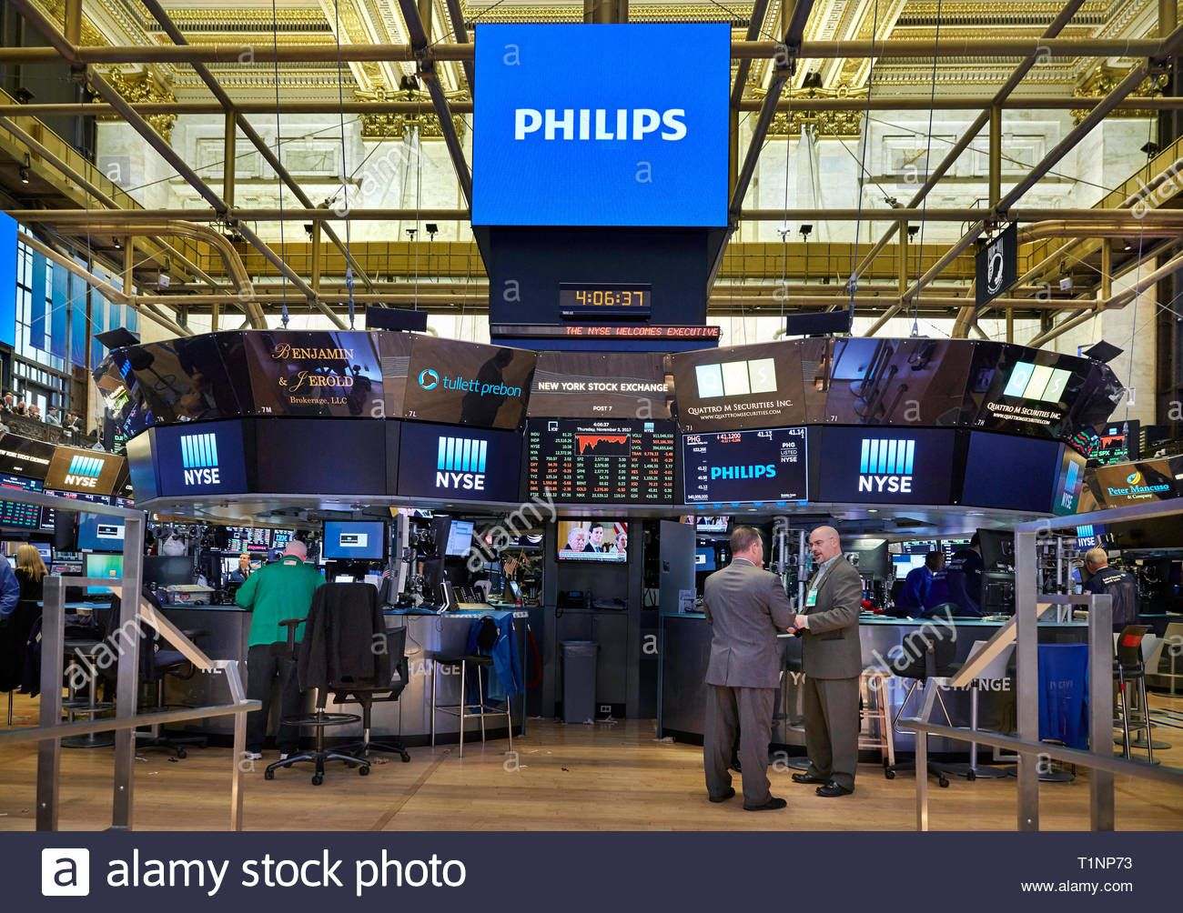 The Trading Floor Of The New York Stock Exchange Nyse At The Closing Bell Stock Image Stock Exchange Stock Photos Stock Photography