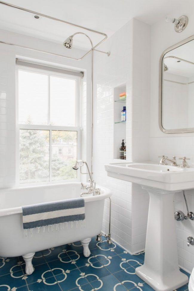 Fliesen Badezimmer Ideen -badewanne-weiss-retro-vintage-boden - badezimmer fliesen beispiele