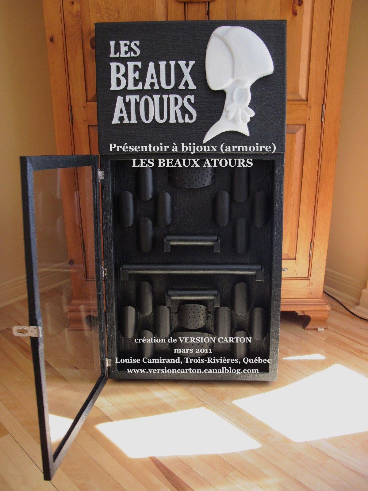 les beaux atours armoire pr sentoir bijoux en carton et papier m ch on peut y loger 16. Black Bedroom Furniture Sets. Home Design Ideas