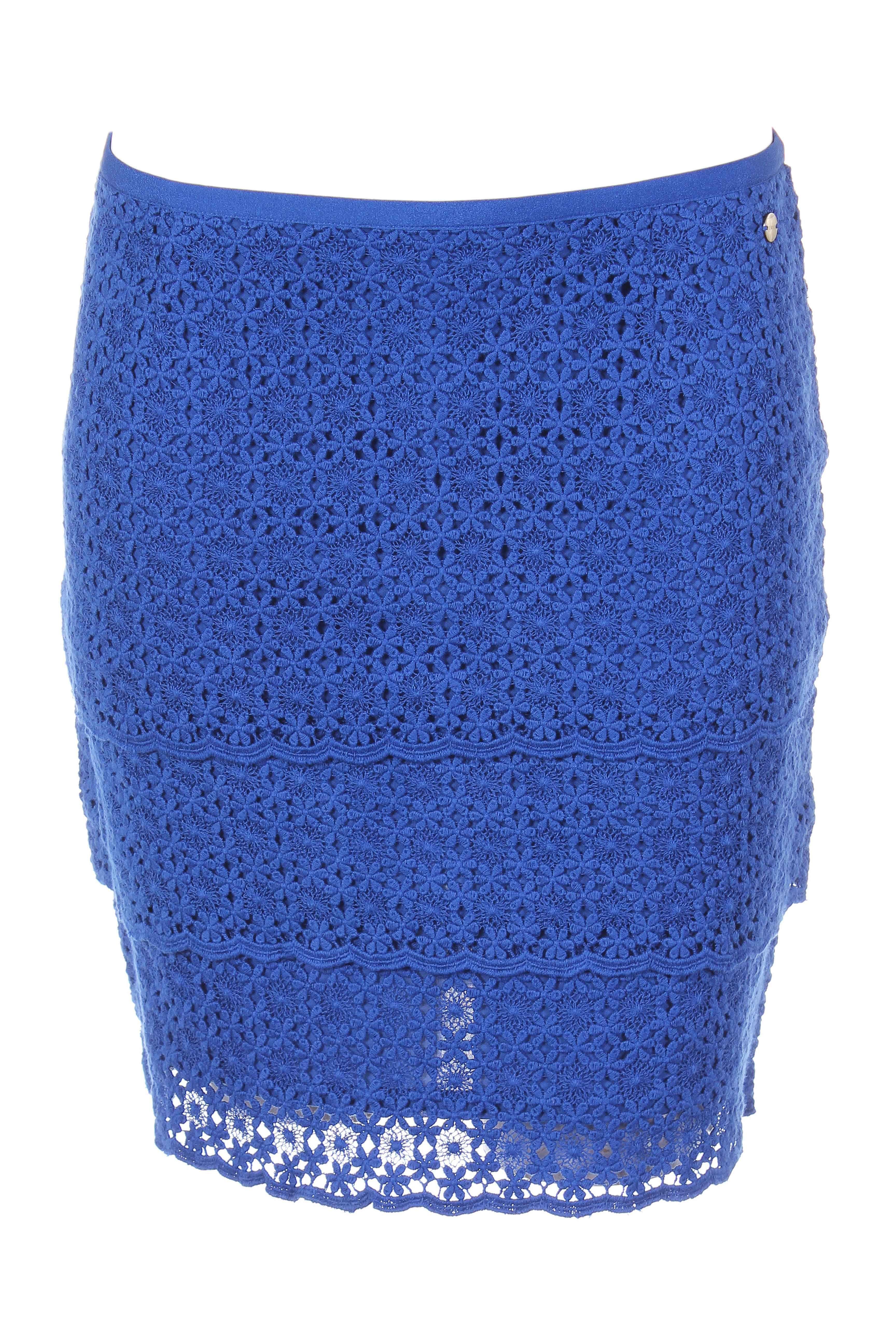 Modz vous offre les meilleures jupes courtes IKKS pour femme en promotion.  Achetez vos Jupes courtes IKKS pour femme en soldes et pas cher toute  l année. 0cd23136812