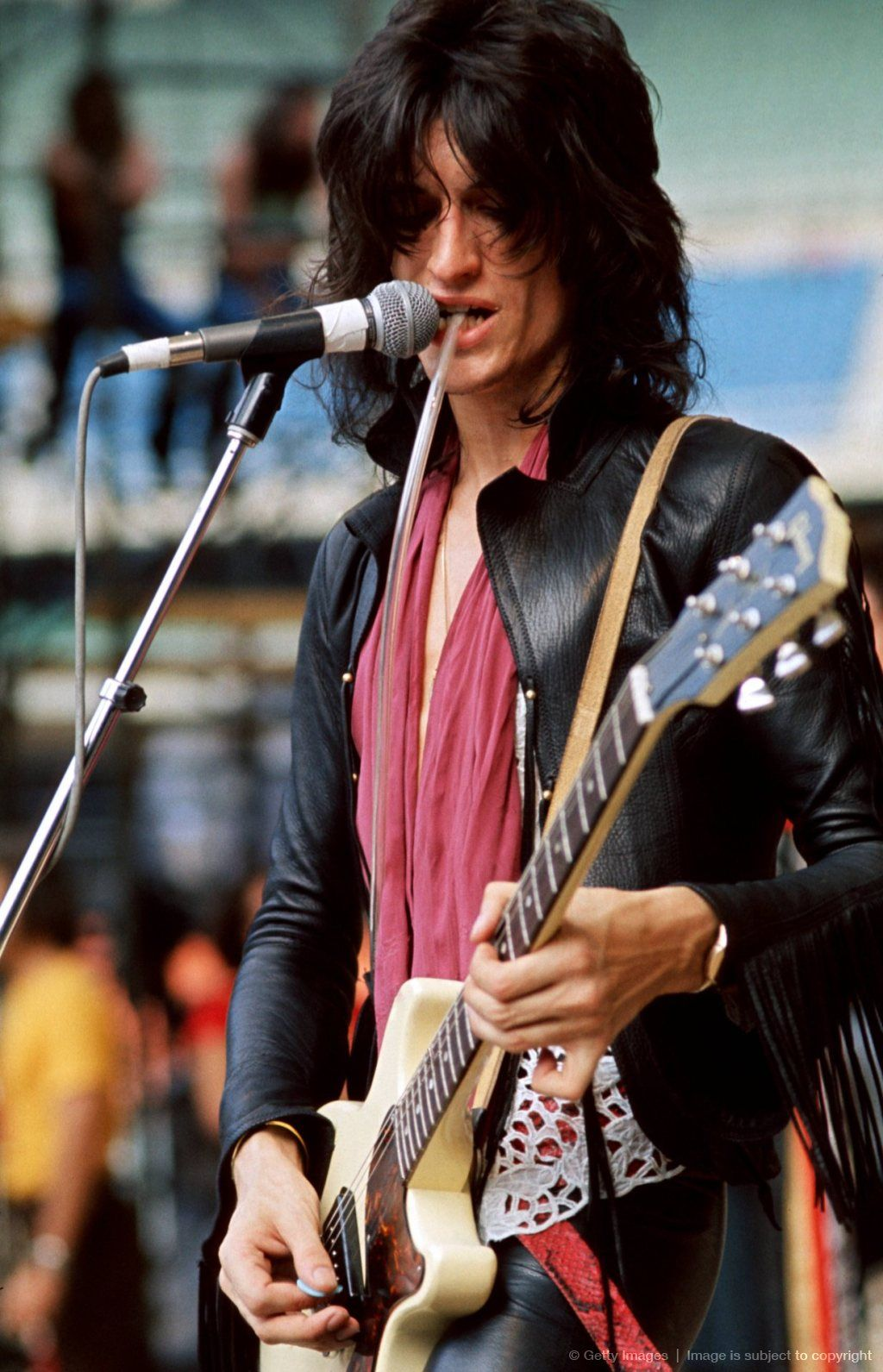 joe perry rockin 39 the talk box it brings up so many sweet emotions manly inspo in 2019. Black Bedroom Furniture Sets. Home Design Ideas