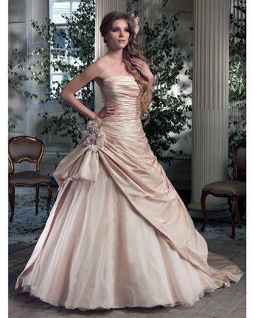 Best 25+ Fairytale wedding dresses ideas on Pinterest ...