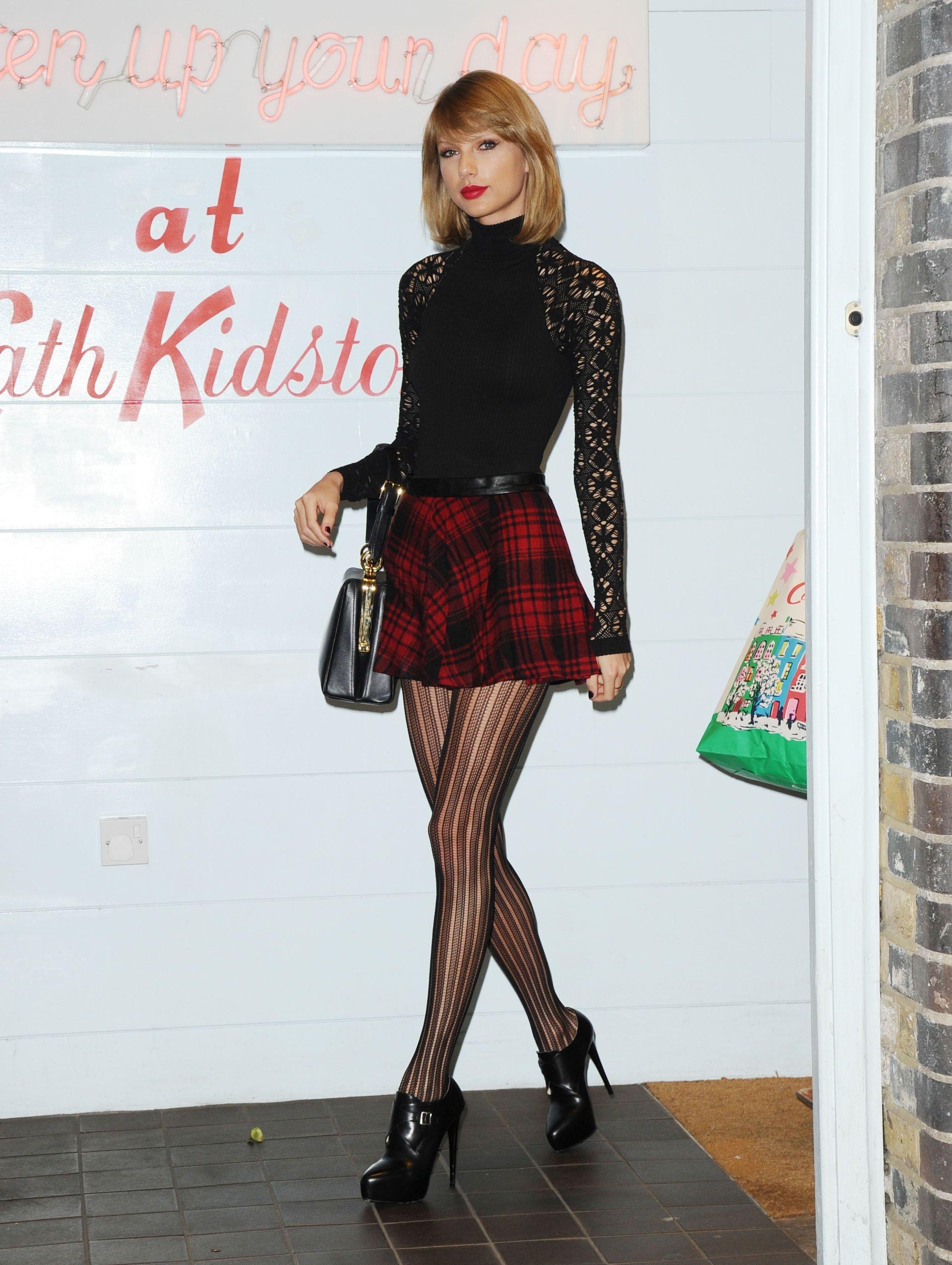 Épinglé sur (白馬) Taylor Swift
