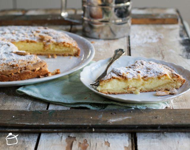 Torta della nonna (tarte de la grand-mère)... pâte sablé et crème pâtissière...