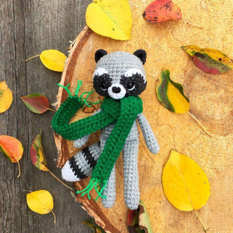 Crochet raccoon with scarf - FREE amigurumi pattern   ganchillo ...