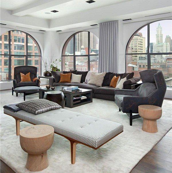 gemütliches graues Sofa Wohnzimmer Interieur