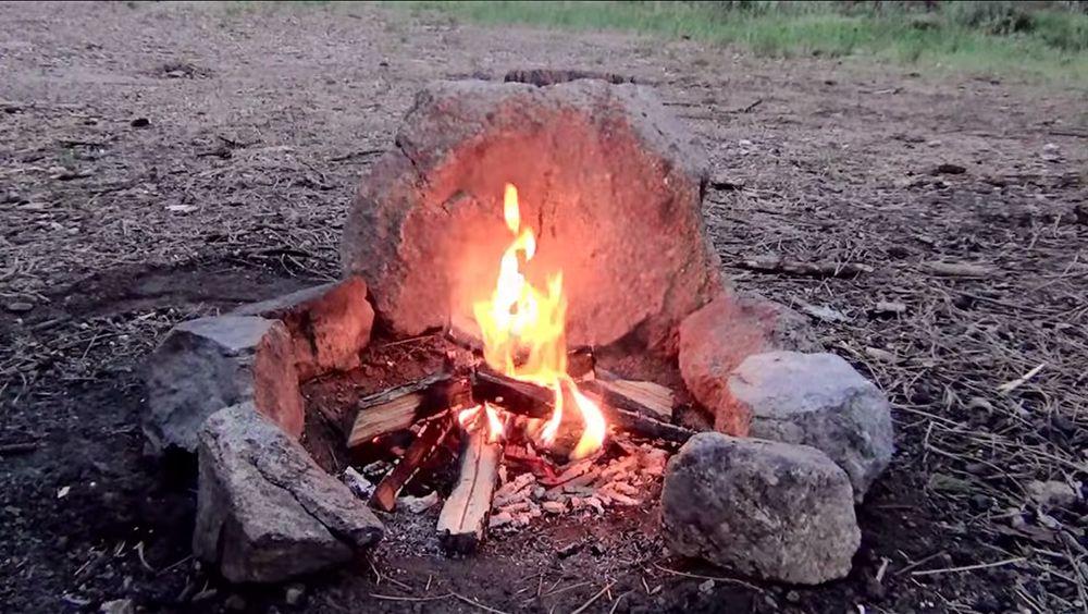 How to Build a Smokeless Campfire   Fire pit backyard ...